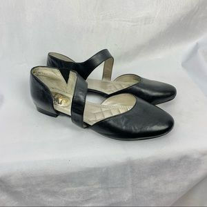 ME TOO black leather flats cross over straps SZ 6